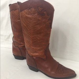 Joan & David Italian Leather Boot 37 Awesome shape